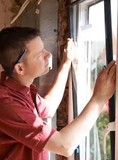 Gold Coast glass repair. Installing a new window in Elanora, Queensland